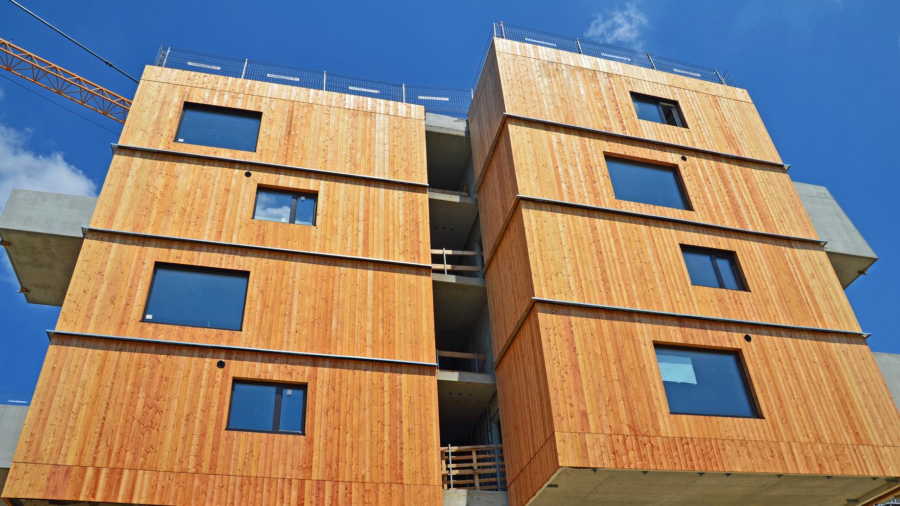 Façade en bois d'un immeuble