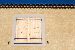Façade en crépi d'une maison