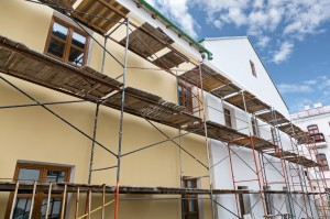 Echafaudage façade maison.