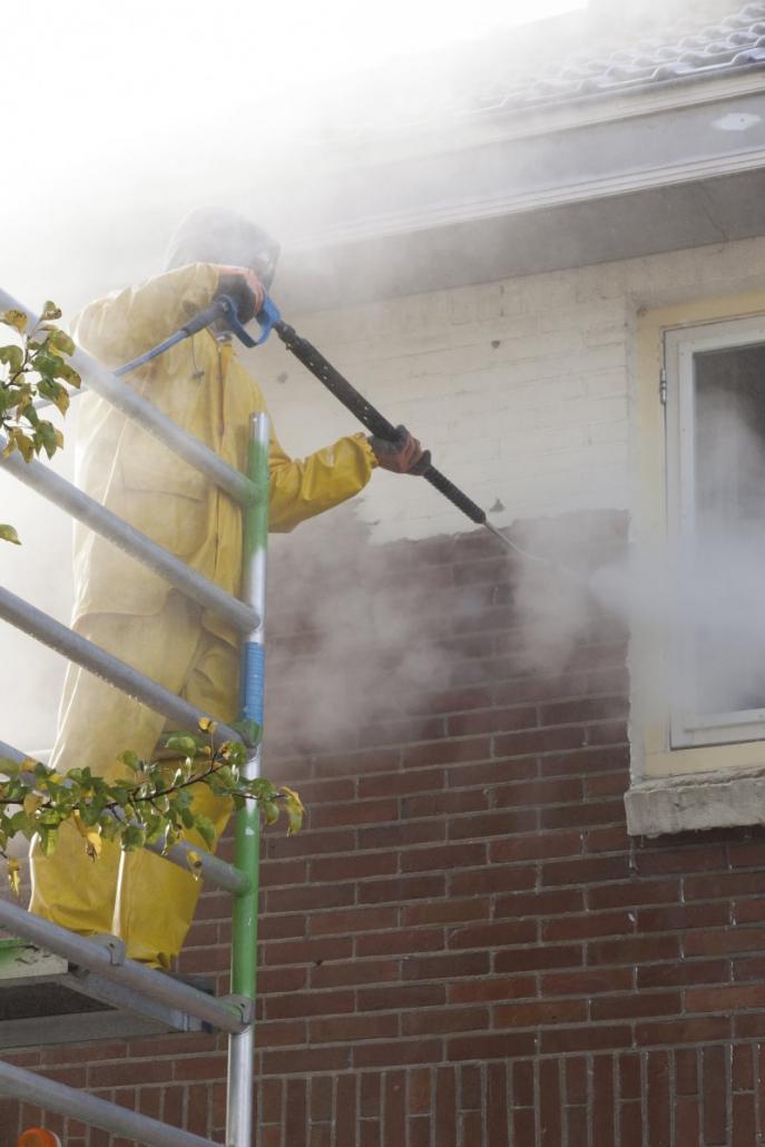Demander des devis pour le nettoyage d'une façade de maison